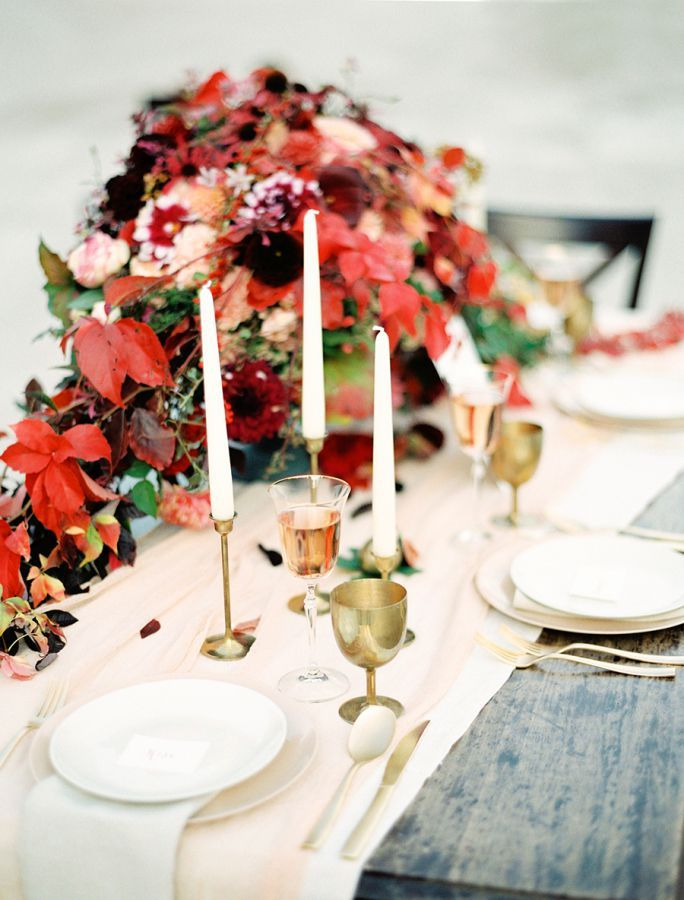 23 Centerpiece Ideas For A Festive Thanksgiving Table
