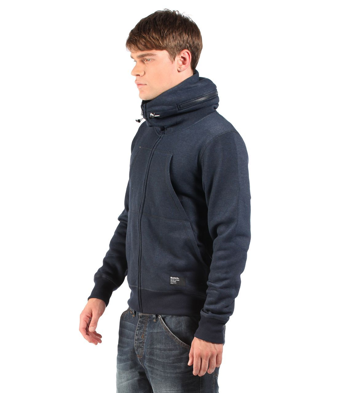 Regular fit Hoodie with zip out hood detailDouble Kangaroo pocketHood with bungee and toggle adjustment Bench label at lower pocket and back hemBMEA2300NY031