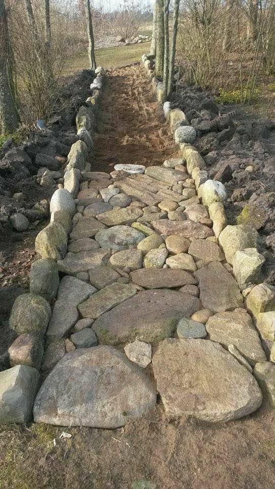 Create a path with rocks / stones ... LOVE it -  Create a path with rocks / stones … LOVE it  #one #create #rock #love #stones   - #ContainerGardening #create #GardenDesign #Gardening #Landscaping #Love #Path #Plants #rocks #stones
