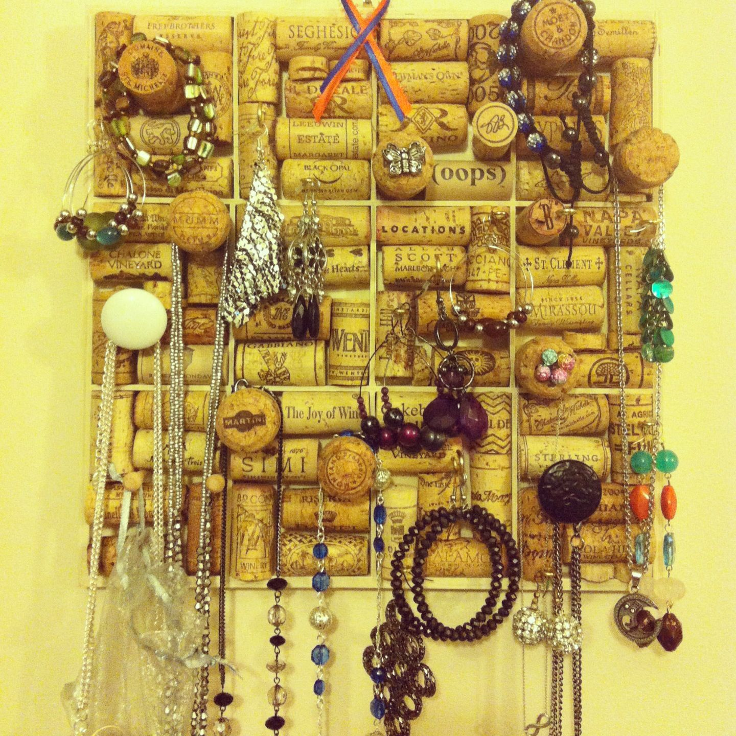 Fun Ways To Display Wine Corks: Crafty Cork Fun! A Unique Way To Use Your Wine Corks And