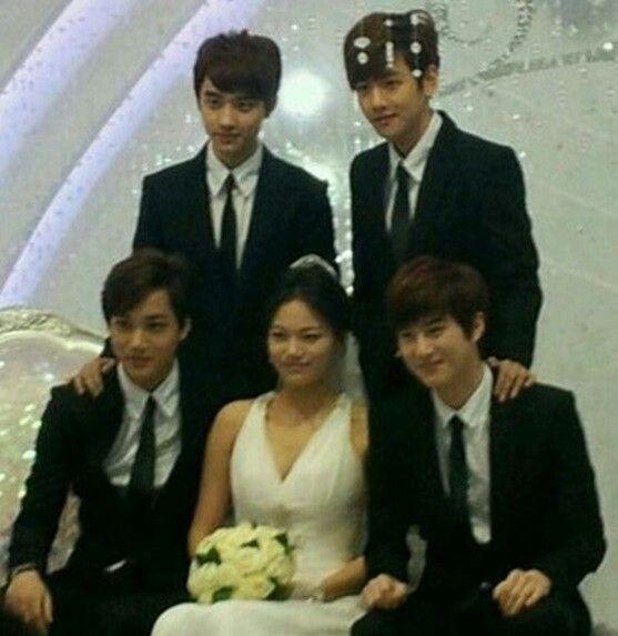 Jongin's sister's wedding!