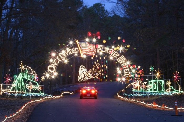 100 Miles Of Lights: Richmond, Williamsburg, Newport News, Hampton,  Norfolk, Portsmouth And Virginia Beach