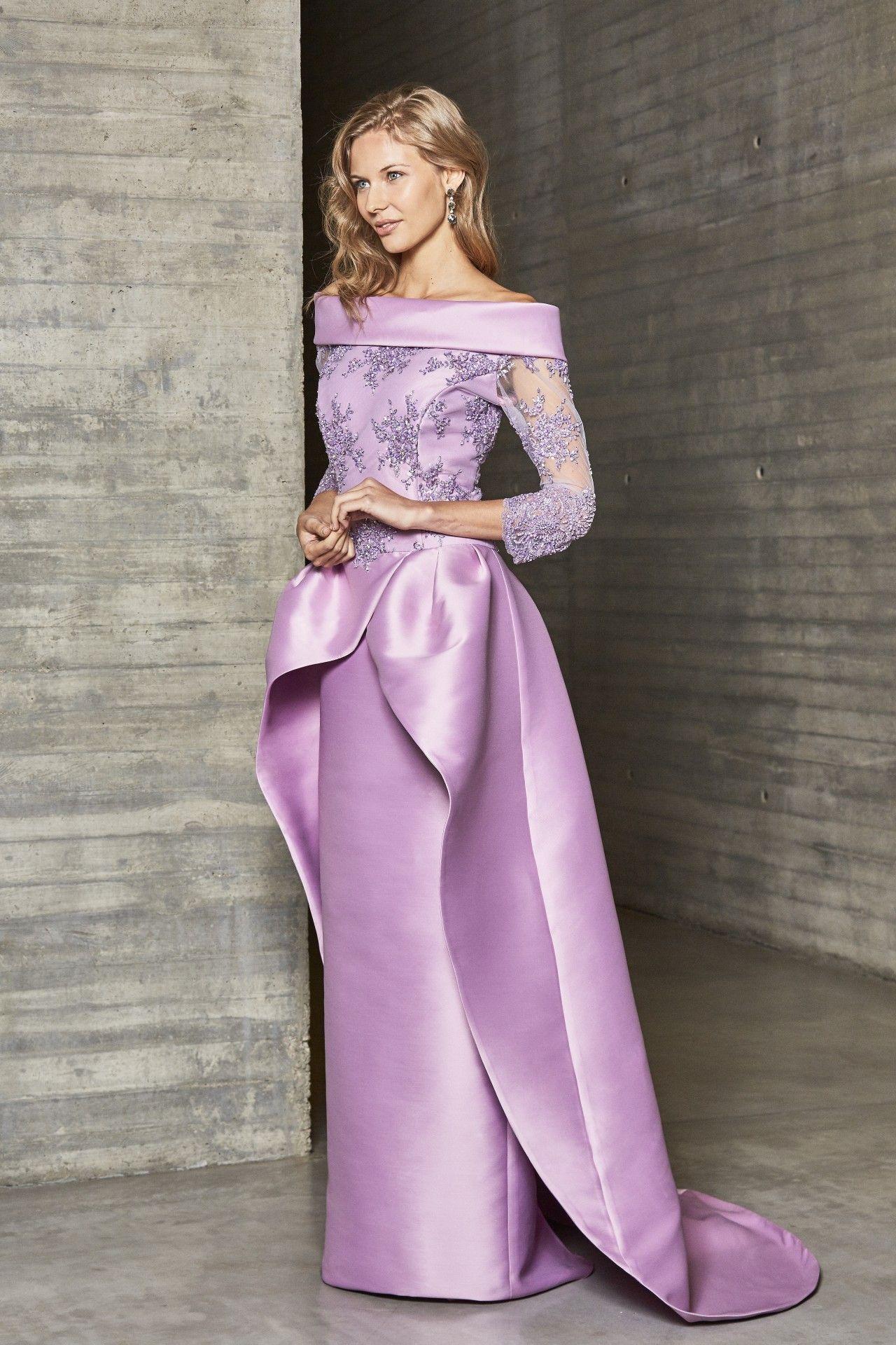 6312a8fd0 Modelo 18260A de Ana Torres. Espectacular vestido de madrina 2018 en mikado  malva rosa y