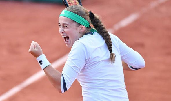 French Open 2017: Jelena Ostapenko beats Caroline Wozniacki to progress to the semi-final