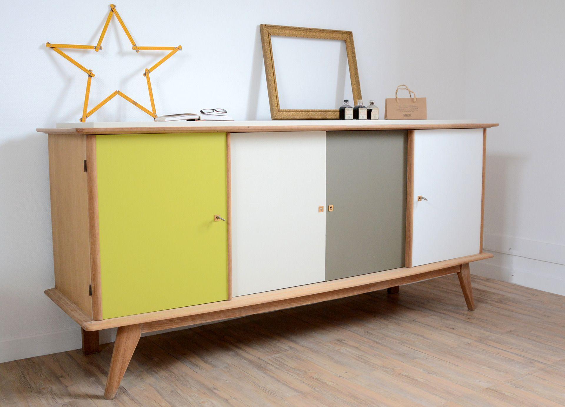 Petite table en bois réinventée un tiroir décor citron peint