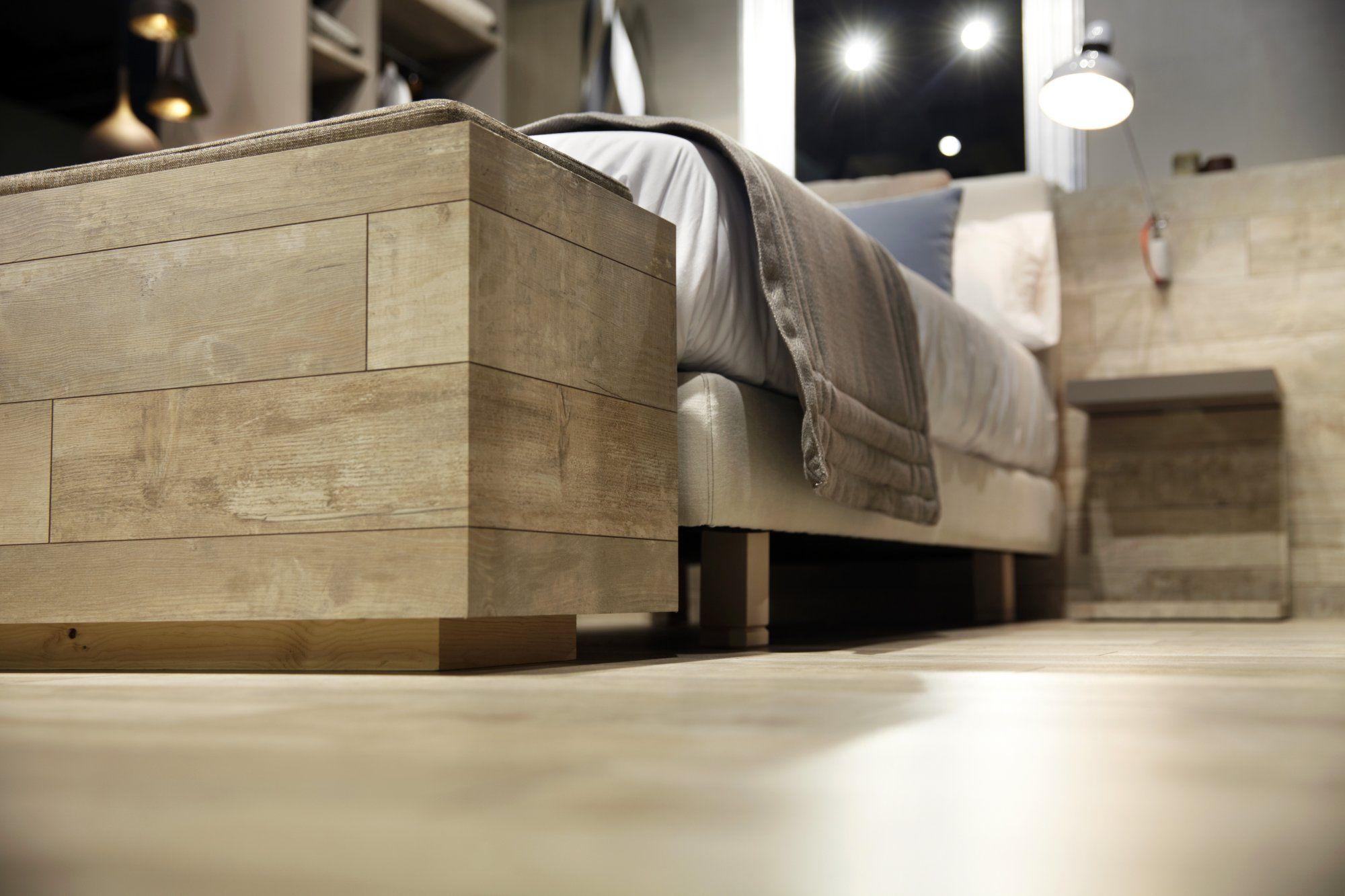 Muebles Hechos Con El Mismo Parquet Que El Suelo El Egger  # Muebles Hosteleria Baratos