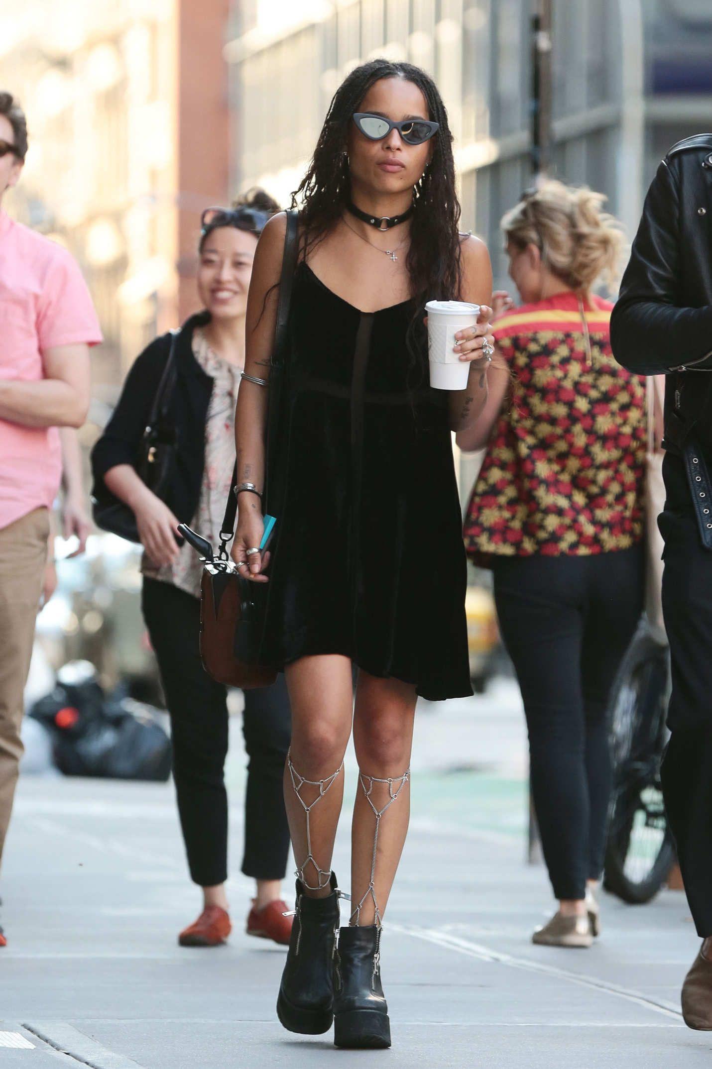 Zoe Kravitz Wore Leg Jewelry #zoekravitzstyle
