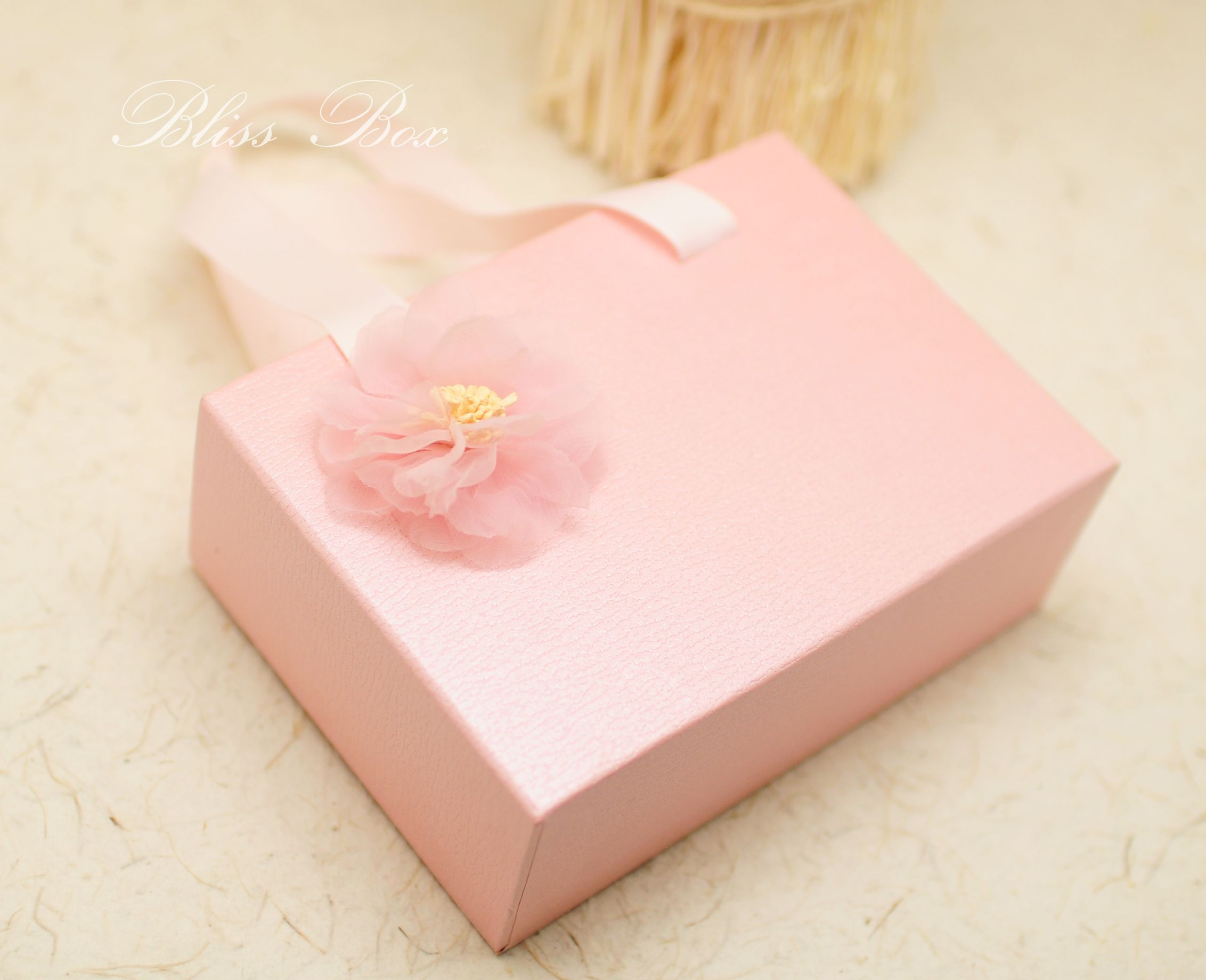 Pink drawer candy box gift back XS size diameter size 16X11X5cm ...