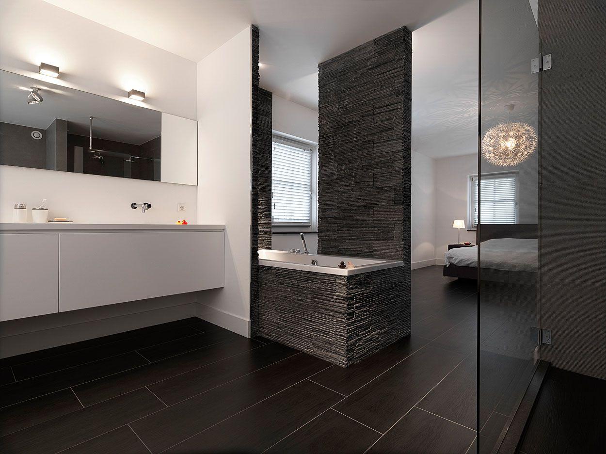 Een luxe tweede badkamer in de slaapkamer? deze prachtige inloop ...