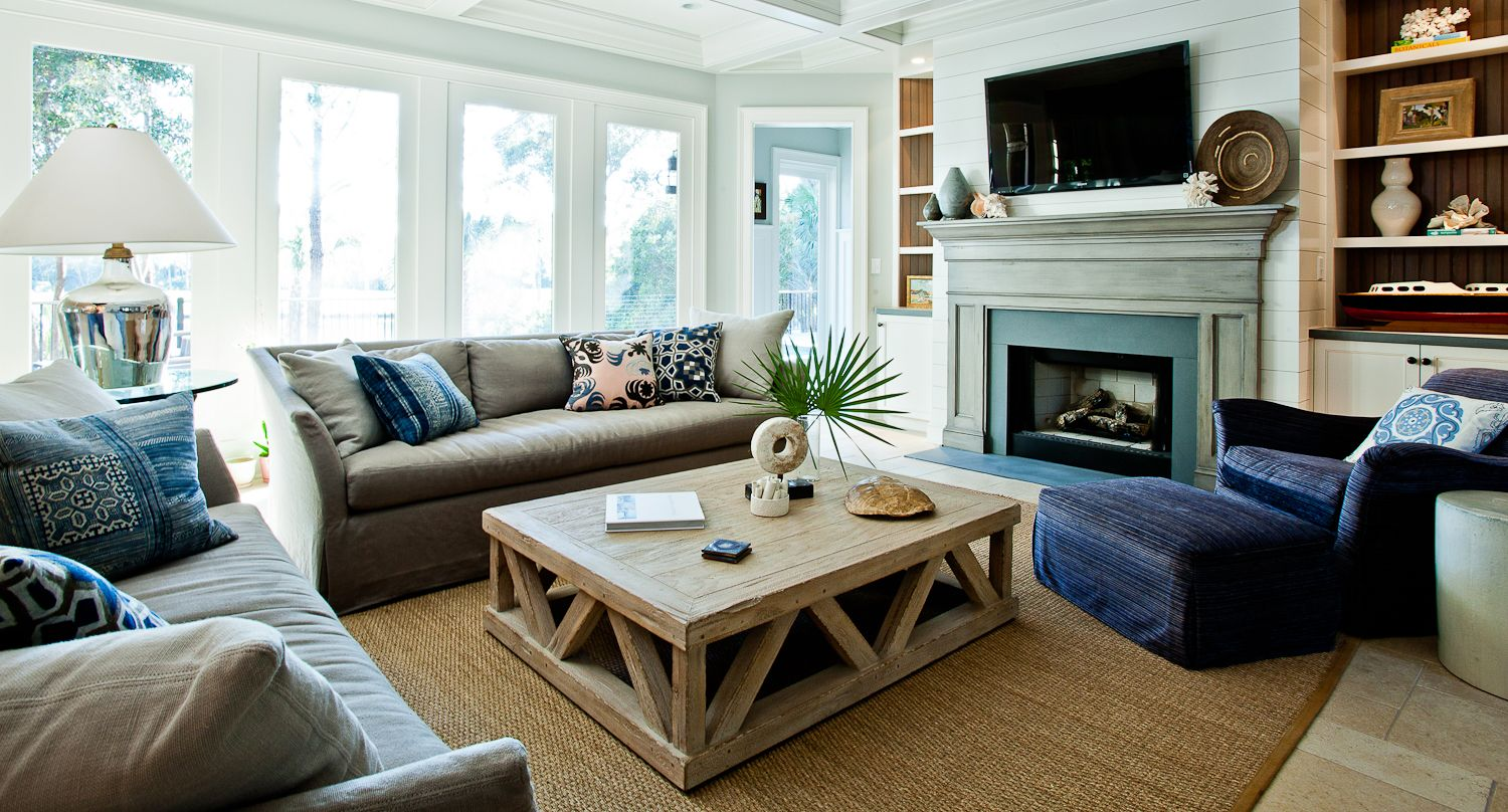 sophisticated beach living room. Coffee table...love ...