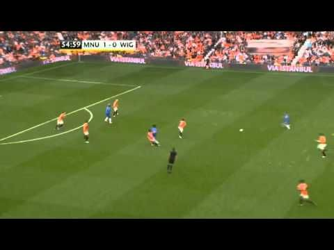 United's tackling v. Wigan - 09.15.12 - best tackling sequence I've ever seen. [Scholesy influence much??]