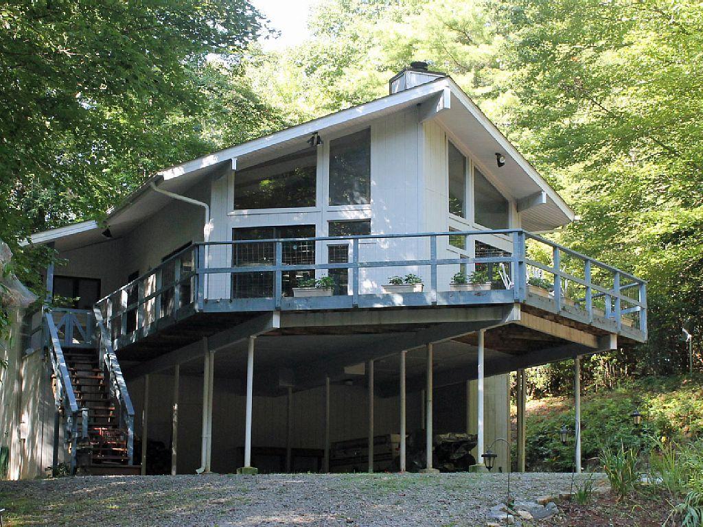 Vrbo Com 910772 Private Brevard Lake House Pet Friendly Lake House House Styles Pet Friendly