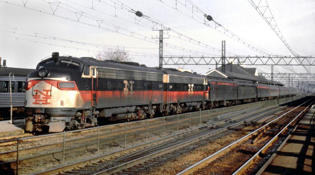 New haven railroad emd fl9s eder5a led by