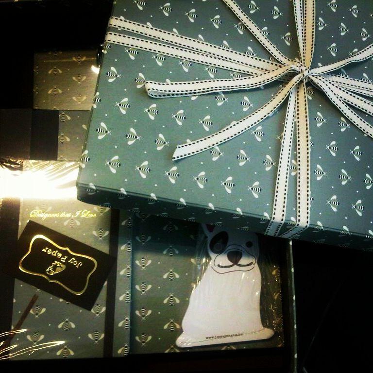 Um presente especial merece todo carinho Joy Paper. www.joypaper.com.br