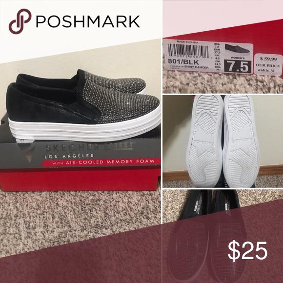 Like new Skechers slip on shoes