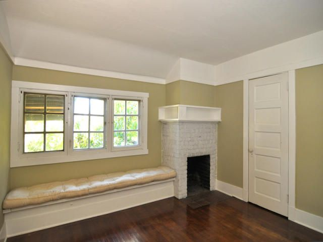 - corner fireplace
