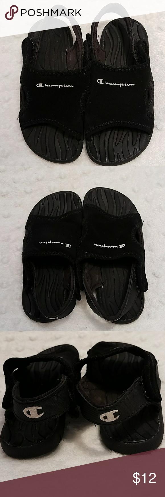 4a88796e4bc91 Champion Boy toddler splash sandals size 7 Champion Boy splash sandals size  7 Black color