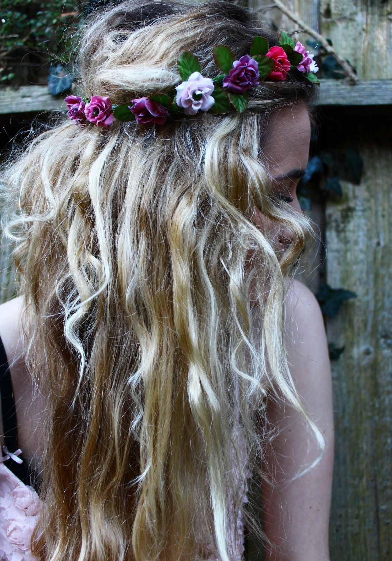 In the wind on my mind beautiful hair pinterest crown flower best ideas for messy boho hair with flower crown posted on february 2014 in hairstyles izmirmasajfo Gallery