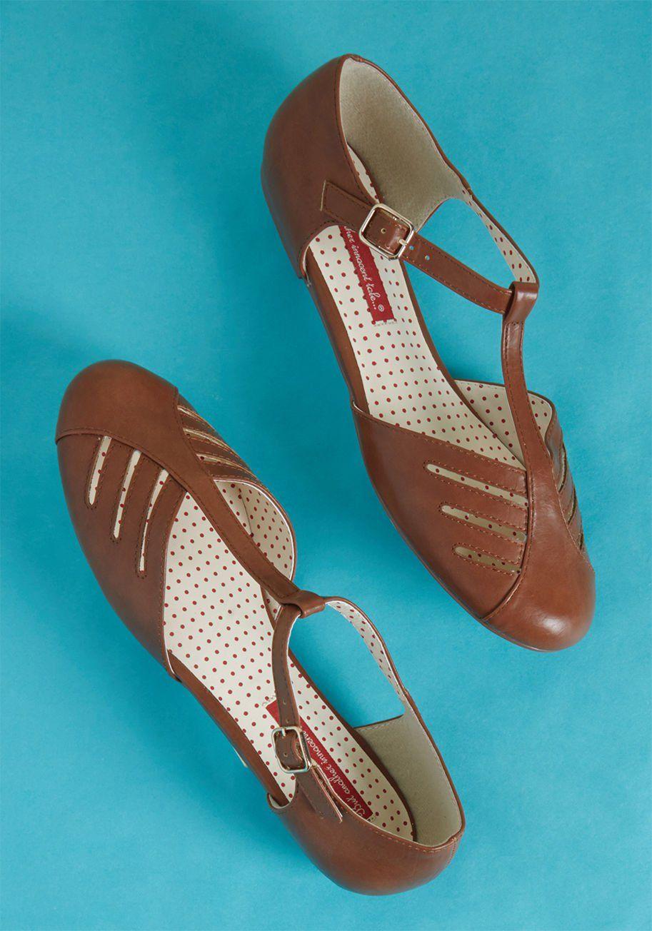 B.A.I.T. Footwear Arrow Margin T-Strap Flat in Brown | T ...