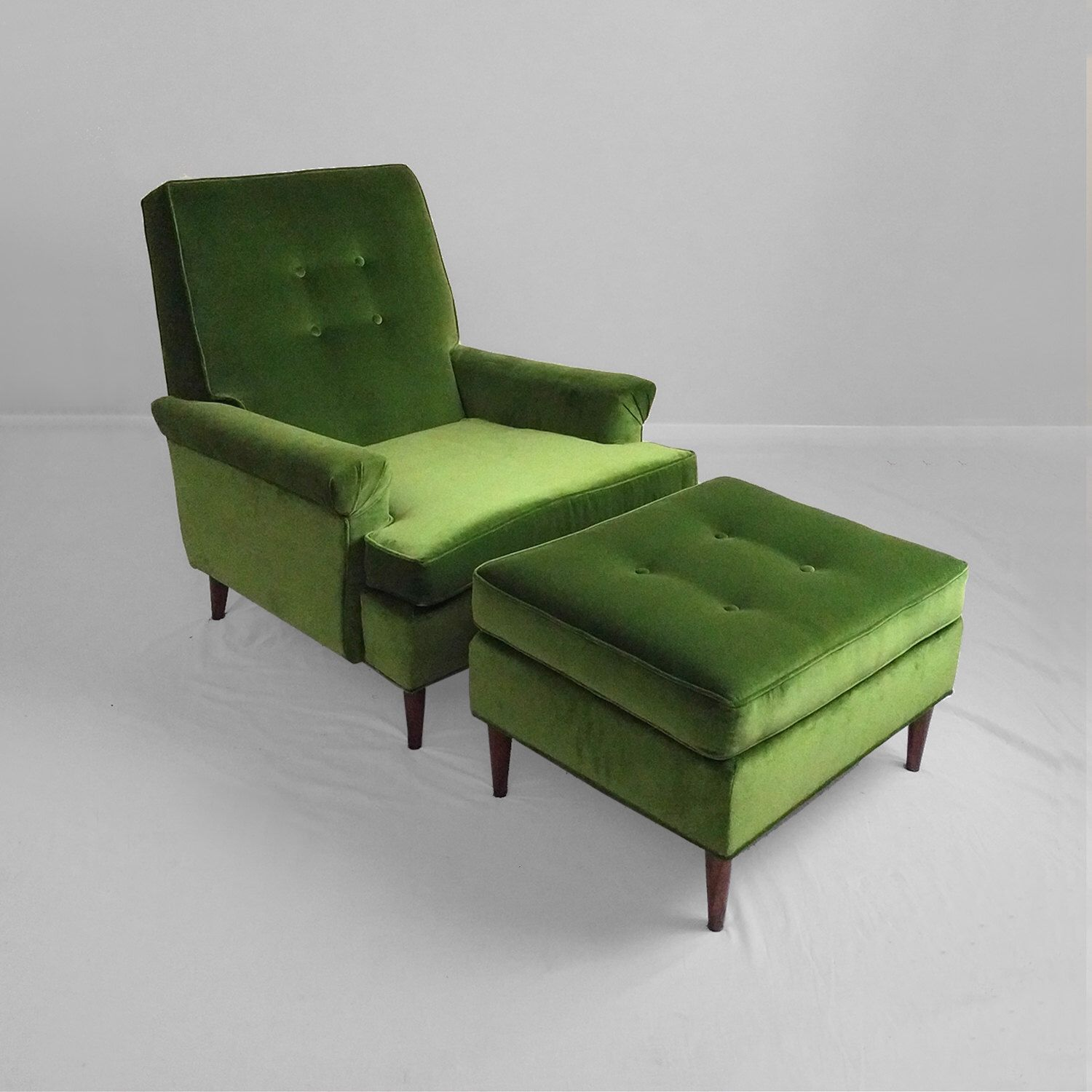 Fine 20 Sale New Mid Century Modern Green Velvet Lounge Chair Gmtry Best Dining Table And Chair Ideas Images Gmtryco