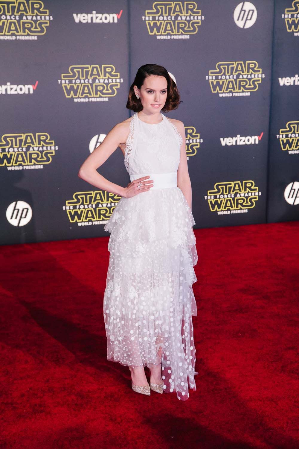 Photo of 9 Stylish Moments from the Star Wars: The Force Awakens Red Carpet
