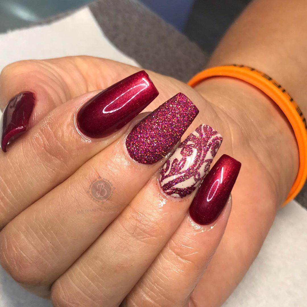 A fine wine 🍷 @the_gelbottle_inc ruby port @diamondglitters . . . #nails #thegelbottle #acrylics #cjpnailsystems #liquidandpowder #nailtech…