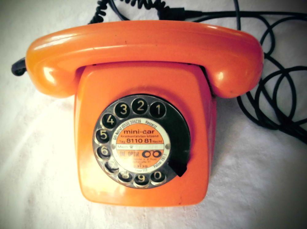 Altes Telefon Mit Wahlscheibe Siebziger Jahre Kult Farbe Orange