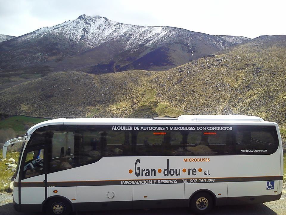 Pin De Grandoure Autocares Y Minibuse En Lugares Para Visitar Sierra Fotos España