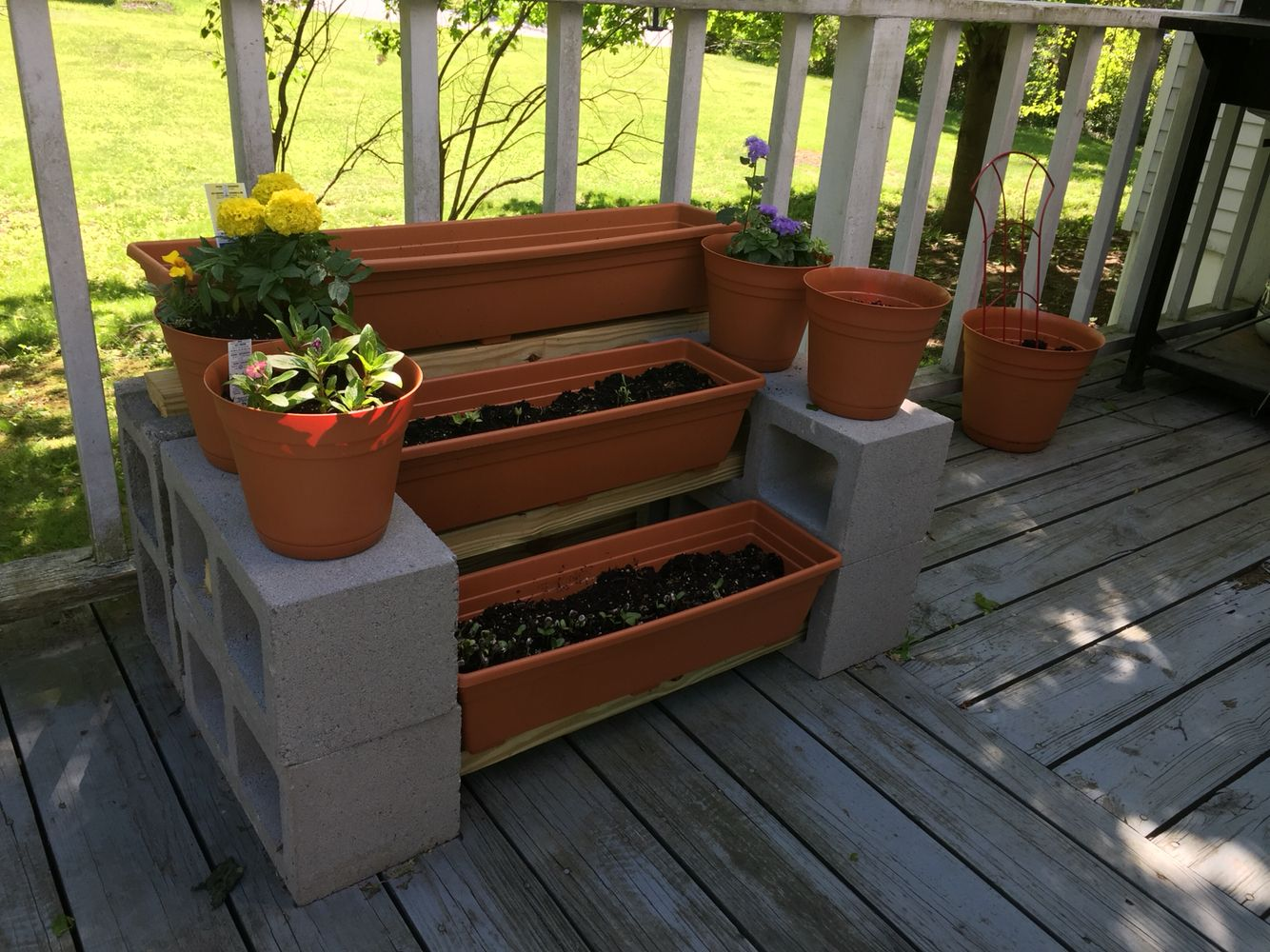 Plant Stand Made With Cinder Blocks And 2x4s Can Be Any Length Diy Plant Stand Cinder Block Garden Diy Plants