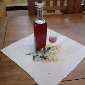 Licor de grosella con vainilla