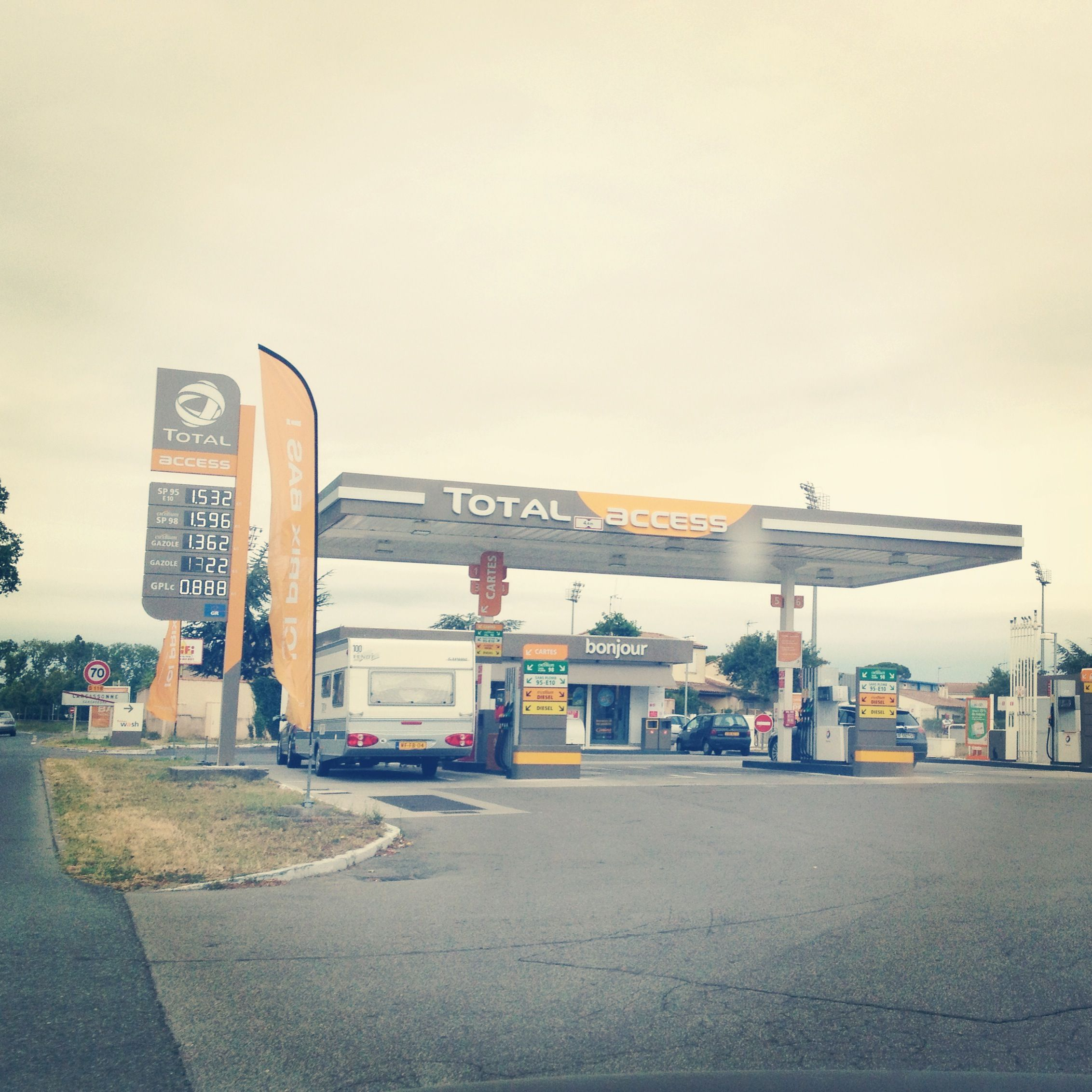 Total Access Petrol Station Carcasonne Most Creative Com Petrol Station Service Station Petrol