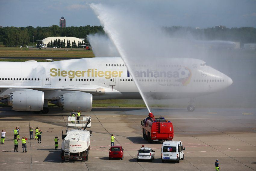 Weltmeister Deutschland Empfang am Flughafen DER