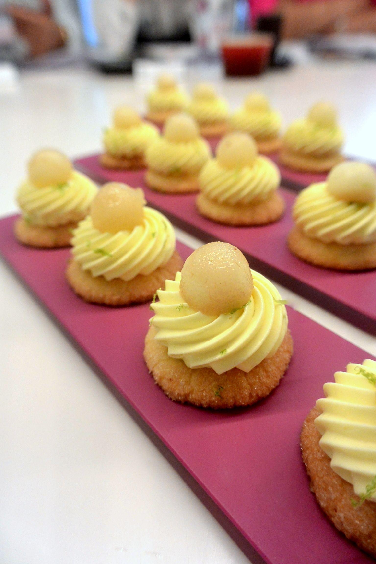 douceur au yuzu dessert sweet p tisserie recette et. Black Bedroom Furniture Sets. Home Design Ideas