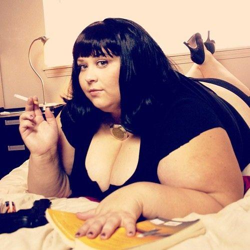 Bbw Babe Doing The Pulp Fiction Look Oleos Belleza Moda Aceptacion De