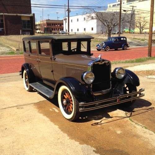 1928 Peerless 4 Door Sedan