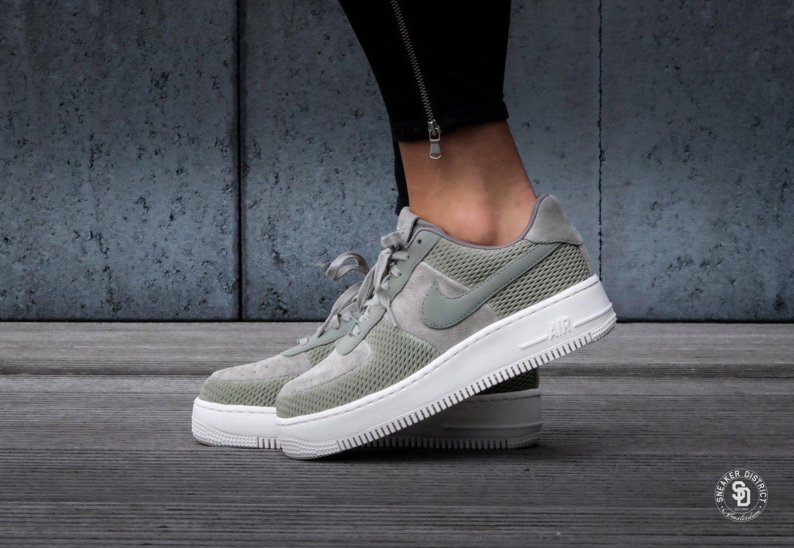 Nike WMNS Air Force 1 Upstep PRM Dark StuccoIvory 917590