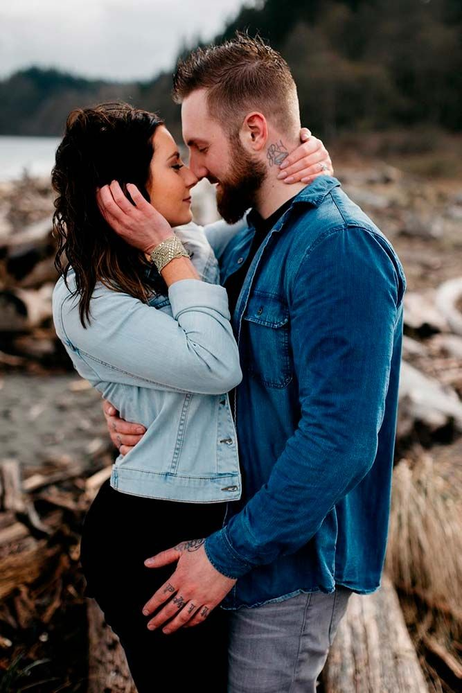 The way the couple poses can tell a lot about their relationship. Click to start browsing the gallery!