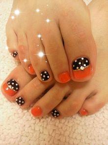 Orange Black And White Poka Dots Pedi