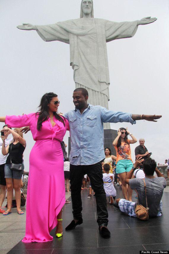 Kim Kardashian Shares Inappropriate Photo Kim Kardashian Kanye West Kim Kardashian And Kanye Kanye West And Kim