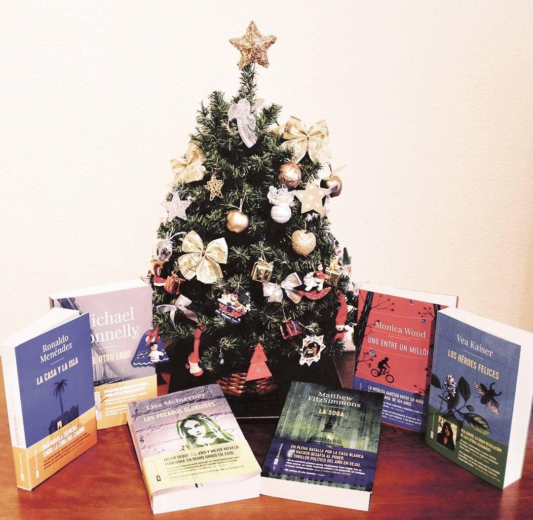 En #AdN brindamos por una #Navidad repleta de libros. ¡FELICES FIESTAS!
