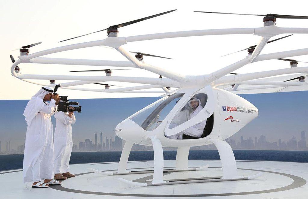 Vừa Qua Tại Dubai Vừa Cho Thử Nghiệm Chiếc Siêu Xe Taxi Bay đầu
