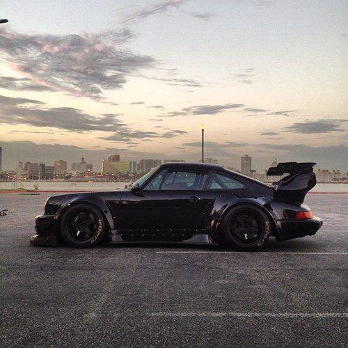 Literally THE best looking Porsche I've ever seen. Good gosh <3