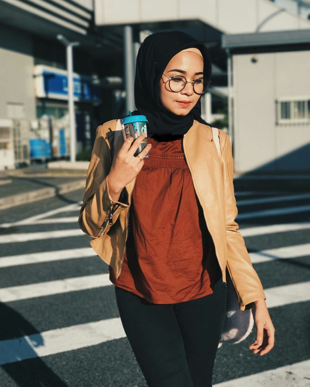 c2c72c2a04 PINNED BY  MUSKAZJAHAN -. Find this Pin and more on CASUAL HIJAB OUTFITS ...