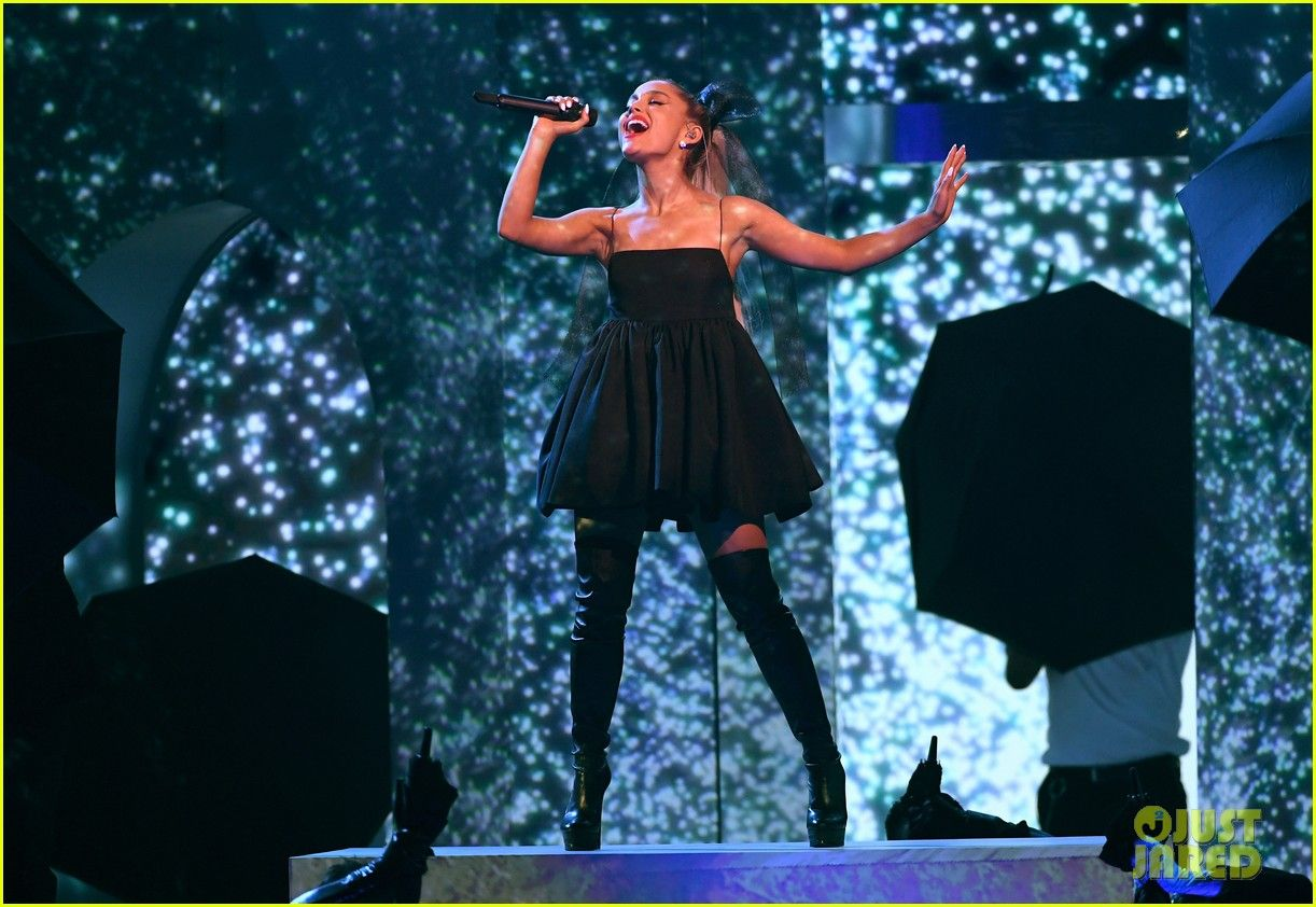 Ariana Grande Billboard Music Awards 2018 01 In 2020 Billboard