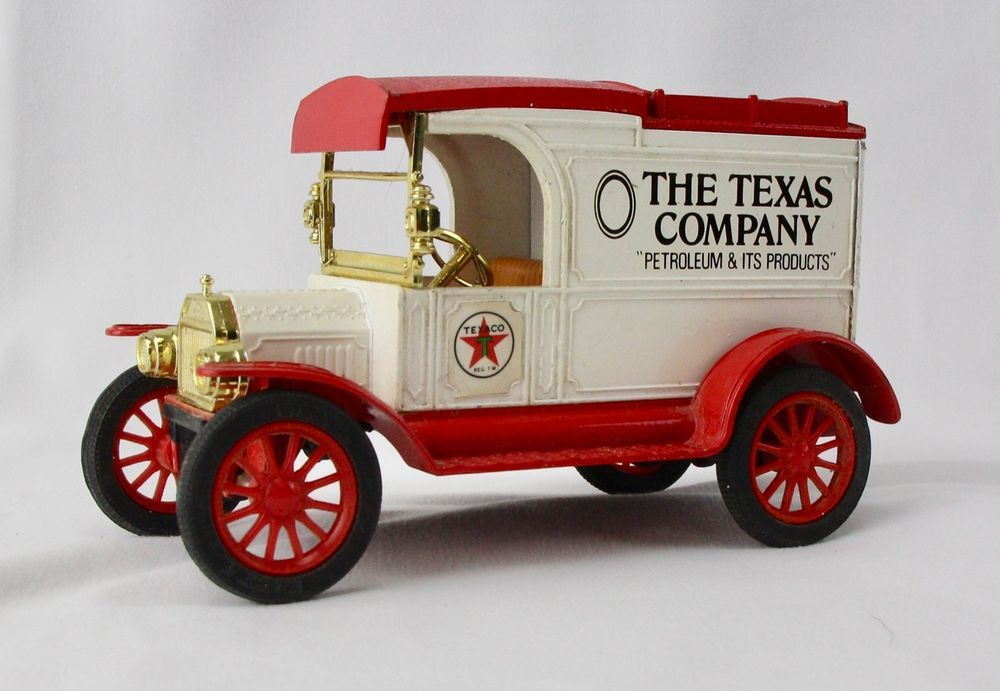 The Ertl Co Replica Ford 1913 Model T Van Toy Bank The Texas