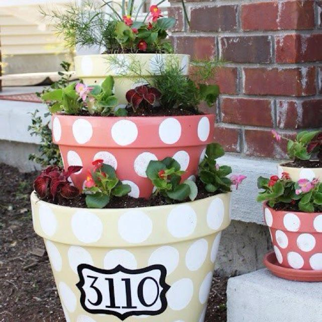 Positively Splendid {Crafts, Sewing, Recipes And Home Decor}: Polka Dotted  Tiered Planters. Front Porch With Bee And Mosquito Repelling Plants!