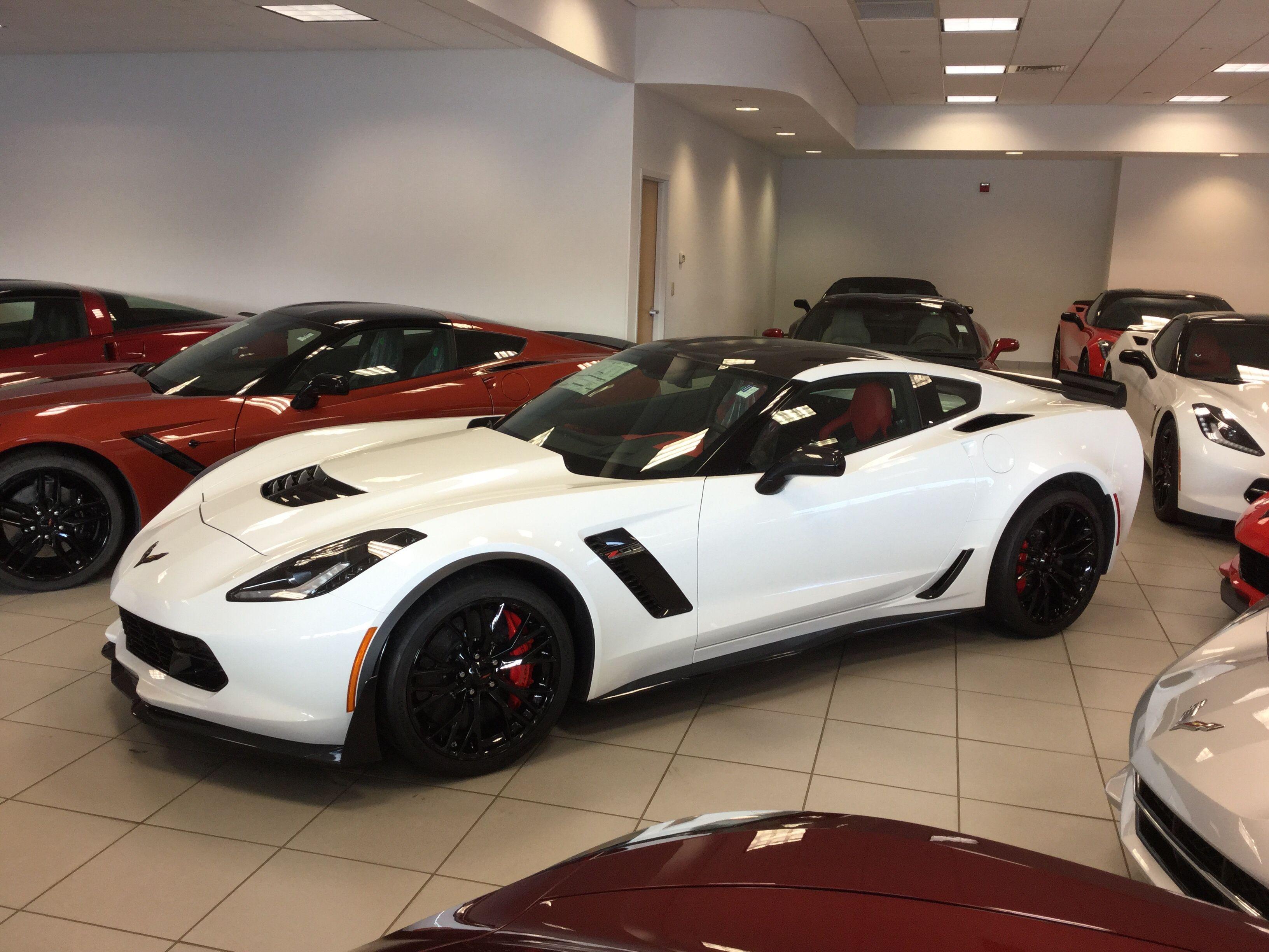 2016 Corvette Z06 Arctic White with Adrenaline Red Interior