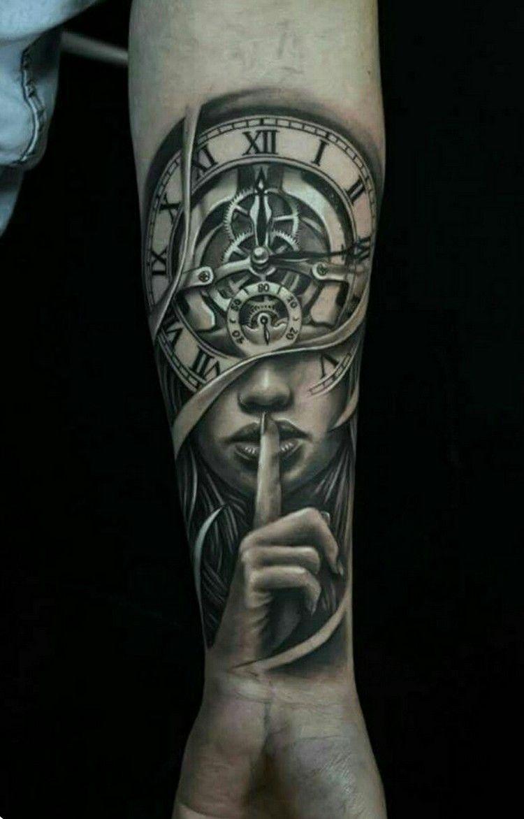 idee tatouage homme avant bras horloge femme