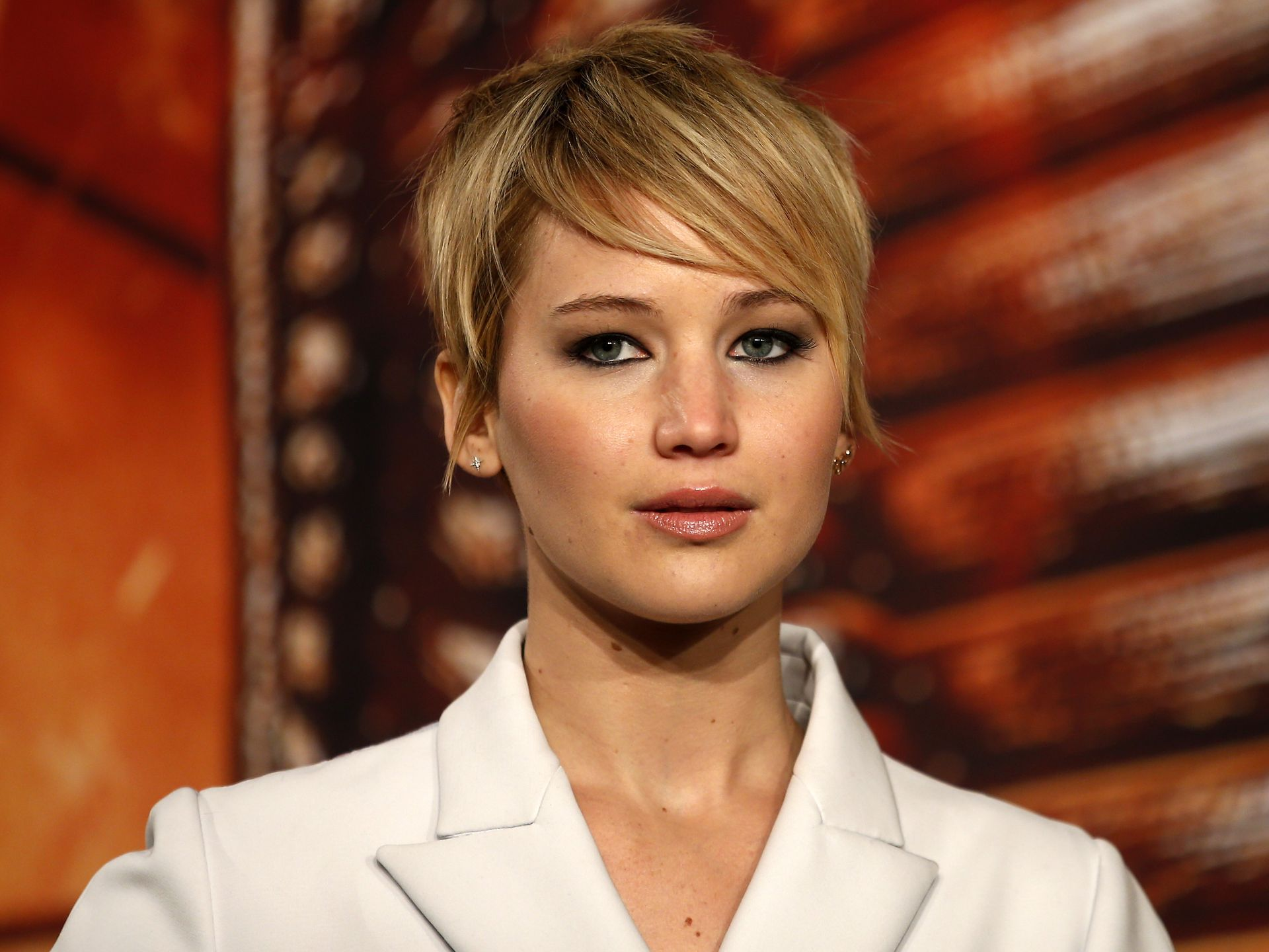 The 23 Year Old Actress Jennifer Lawrence Showed How To Add Some