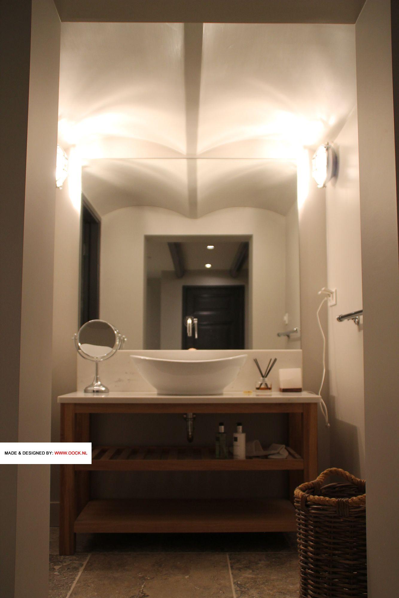 Badkamerkast Op Maat.Modern Klassieke Badkamerkast Op Maat Met Eiken Onderstel